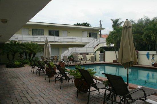 Ocean Lodge: pool deck