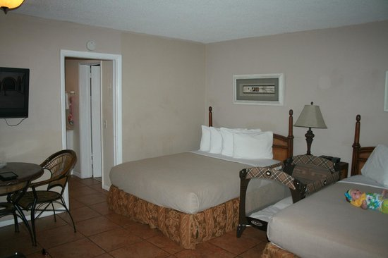 Ocean Lodge: room 205