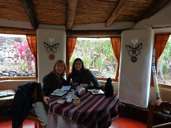 Las Chullpas Eco Lodge: desayunando