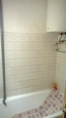 Knego Apartments: Boiler and washing machine drain pipe
