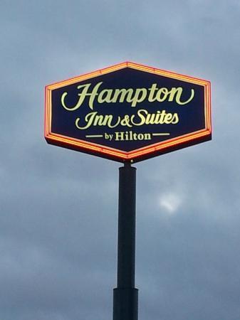 Hampton Inn & Suites by Hilton Moncton: De la route