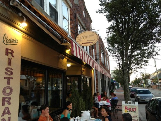L'osteria sidewalk cafe...