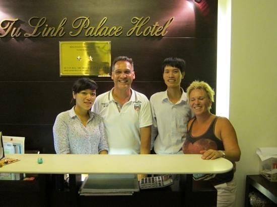 Tu Linh Palace Hotel: de vriendelijke medewerkers van het hotel
