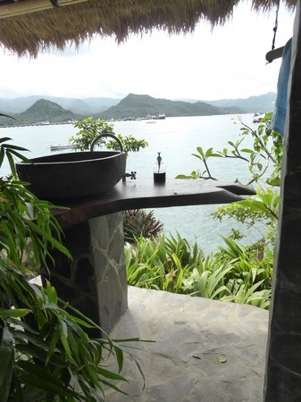 Ketut's Hideaway: bathroom with a view - worth the climb!