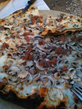 Pizza boscaiola bianca picture of il giardino segreto rome tripadvisor - Il giardino segreto roma ...