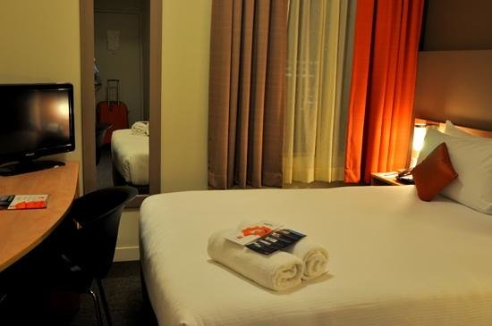 ibis Perth : Small guest room
