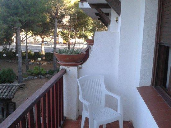 Hostal del Senglar: terraza con vistas al jardín interior