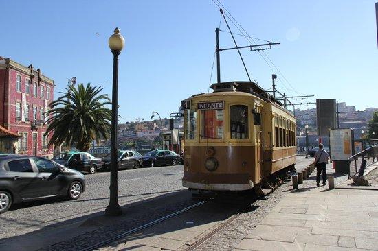 Porto Tram: départ direction le fort de Sao Joao (Foz do Douro)