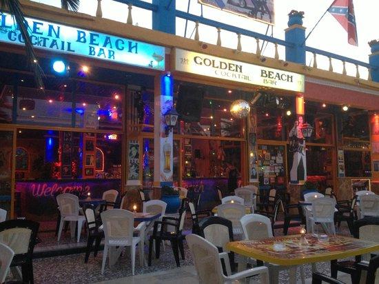 SeaBird Hotel : Golden Beach bar on Elvis night