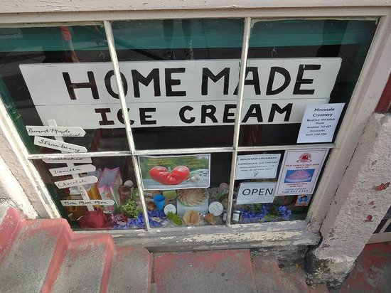 Mountain Creamery: Grab a cone