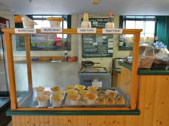 Mountain Creamery: Lots to choose from