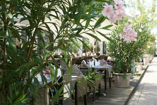 Restaurant C Five: Terrasse