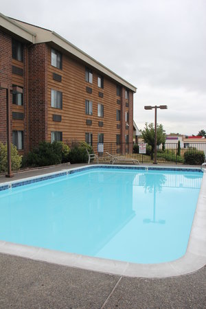 Days Inn Clackamas Portland: Pool