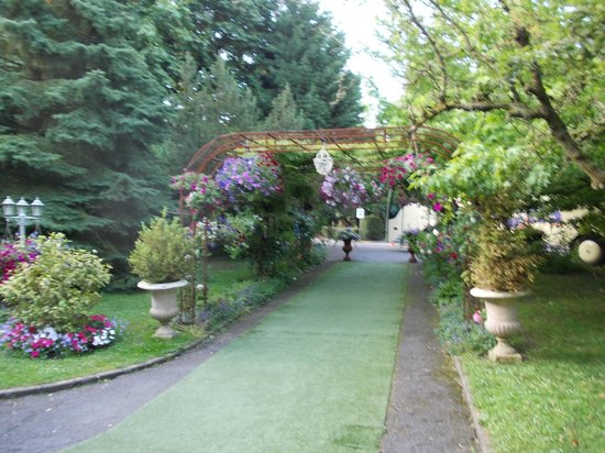 Hotel Beatus: Gardens