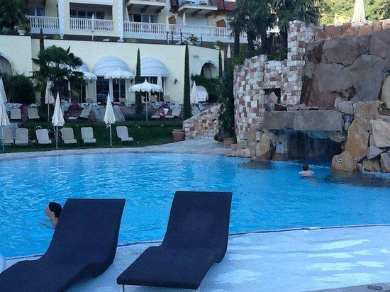Luxury DolceVita Resort Preidlhof: PISCINA ACQUA 35°