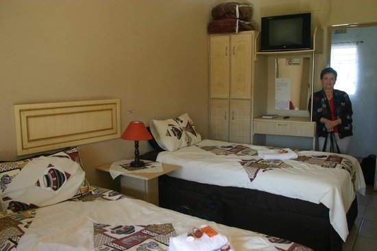 Aroma Africa Guest House: Twin room