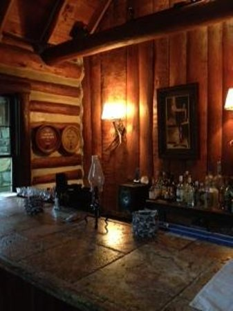 Rustico at the Log Cabin: Bar area