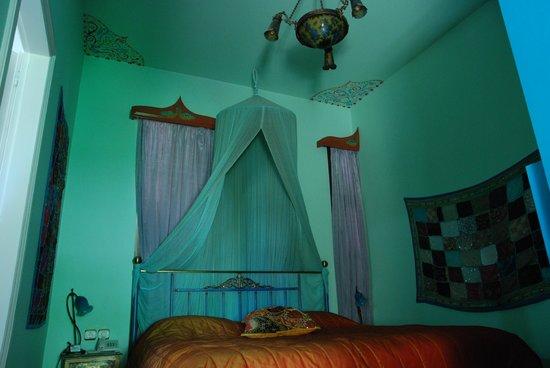 Nikos Takis Fashion Hotel: habitación