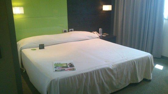 T Hotel : Habitación matrimonial