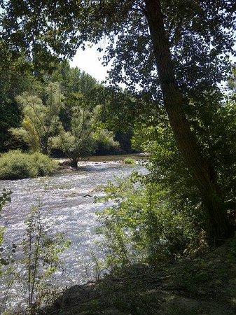 Camping Village grand Sud : La rivière, près du camping