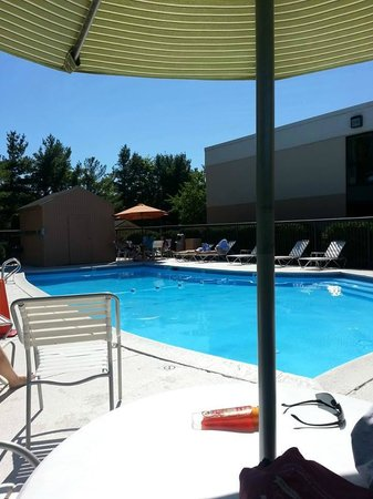 Fairfield Inn Burlington Williston: Pool area was great (depth 3' to 6').