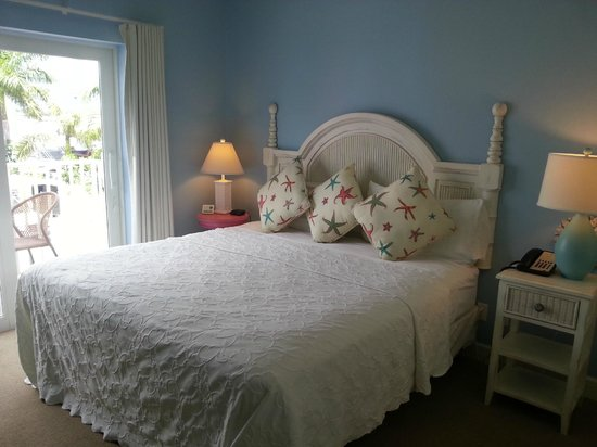Harbour House at the Inn: Bedroom with king bed