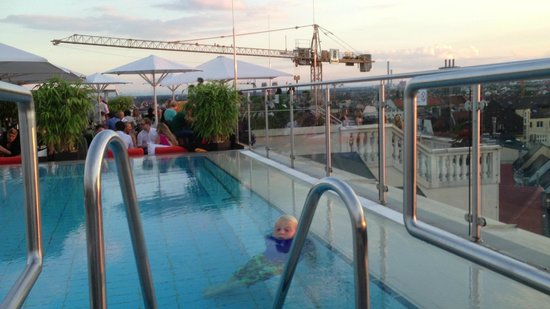 Mandarin Oriental, München: View from Pool