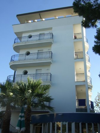 Hotel Lido Europa : Côté piscine