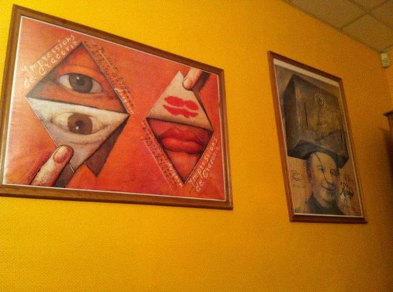 Hotel Le Colbert : unusual art work