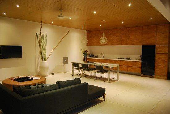 One Eleven: villa kitchen/dining