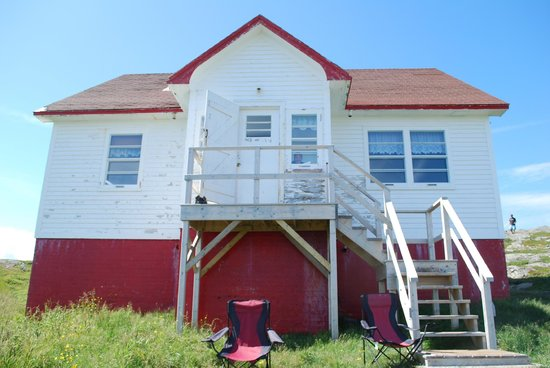 Quirpon Lighthouse Inn: this is where we stayed for $375 a night :s