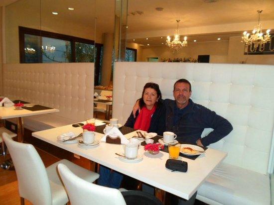 PuroBaires Hotel Boutique: desayunando