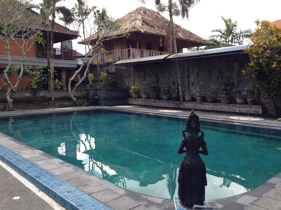 Pande Permai Bungalows: The. Pool