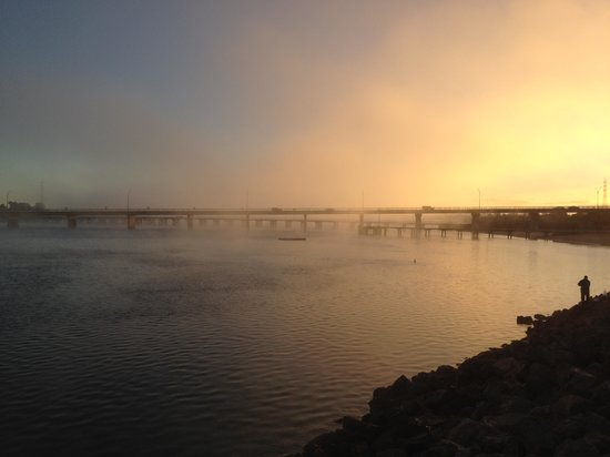 Comfort Inn Augusta Westside : Dawn fog over the inlet