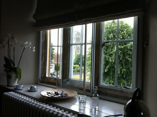 Devonshire Arms: Window overlooking village square and church
