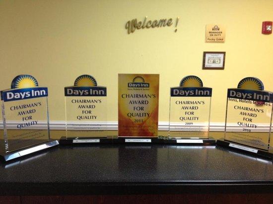 Days Inn & Suites Swainsboro: Chairmans Award for 5 yrs
