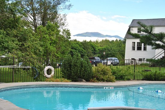 Sugar Hill Inn : One of the views from the pool