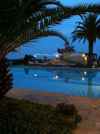 Sandton Hôtel & Residence Domaine Cocagne : Elke ochtend even zwemmen met een prachtig uitzicht !
