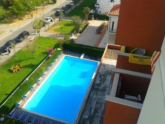 Hotel Imperiale: Vista Piscina dal 5° piano.