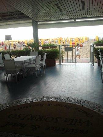 Hotel & Residence Villa Sorriso: accesso alla spiaggia