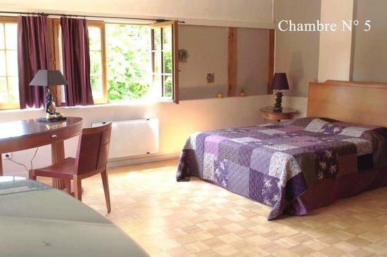 Le Manoir de Clairval : chambre 5