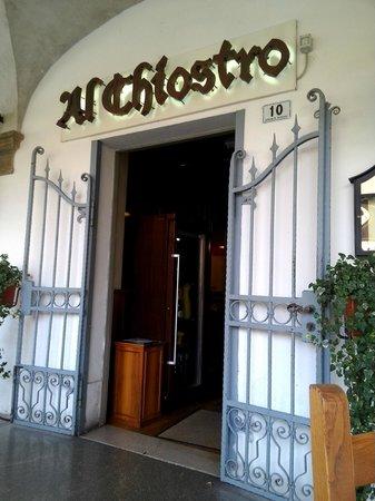 Al Chiostro: Ingresso al locale