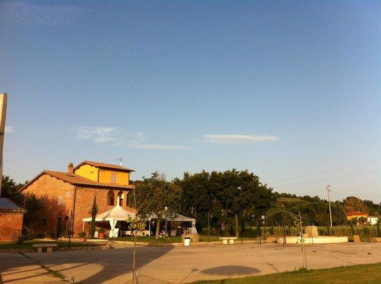 Relais La Leopolda: Vista dalla piscina