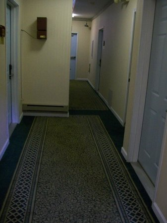 Pilgrim Inn: Hallway was okay
