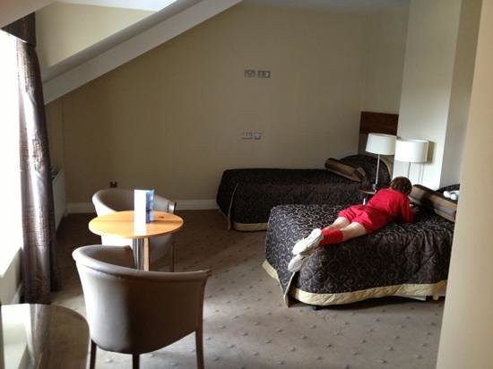 Scotts Hotel: family suite