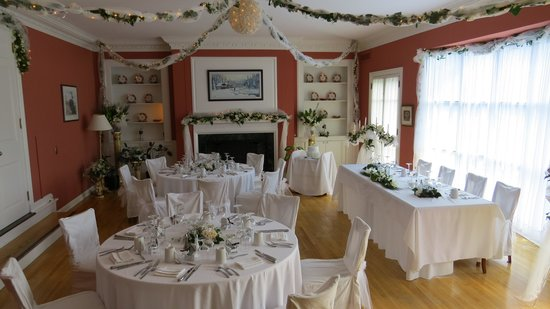 Strawberry Hill Inn & Clahets: Set up for a wedding