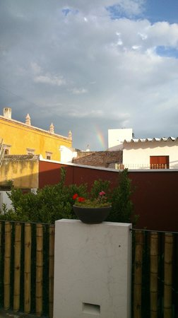 La Casa del Naranjo Hotel Boutique : La vista desde el jacuzzi fue agradable por todos los ángulos - !hasta me incluyo arco iris!