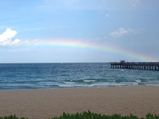 High Noon Beach Resort: Rainbow over water
