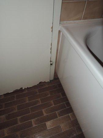 Hotel Eiger Grindelwald : The bathroom door
