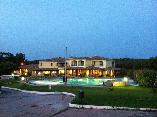 Hotel Porto Pozzo : hotel di giorno